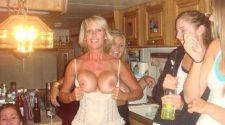 Cycata mama pokazuje duże balony na imprezie. Nagie foty porno zrobione przez zajebiste mamuśki