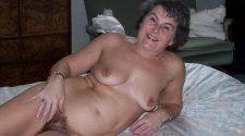 Naga staruszka pozuje erotycznie na xxx fotce. Sprawdź gołe babcie w podeszłym wieku bez żadnej cenzury