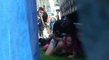 Napalona parka rucha się publicznie podczas festiwalu. Sex nagrany z ukrycia zupełnie za darmo