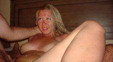 Prywatne sex foto na których niegrzeczna blondynka jest ostro ruchana