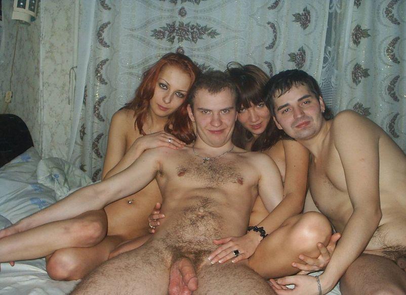 Ruskie dziewczyny odnajdują się świetnie w grupowym dymaniu