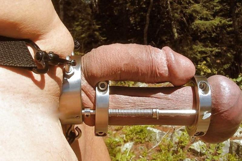 Jeśli jesteś masochistą to ta maszyna przyniesie Ci wiele ukochanego bólu. Urządzenie tortur dla penisa może sprawdzić się jako idealny prezent